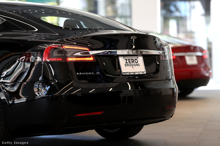 Tesla S - zéró kibocsátás