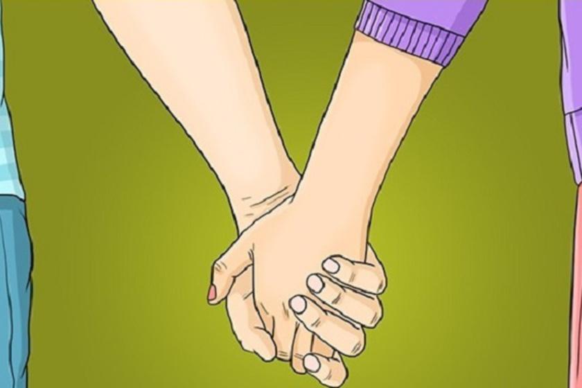 Ha az ő keze van elöl, akkor nagyon szeret, és valószínűleg a kapcsolatotok alapja nem a szenvedély, hanem a ragaszkodás. Az is biztos, hogy a férfi nagyon erős személyiség, aki szeret domináns lenni.