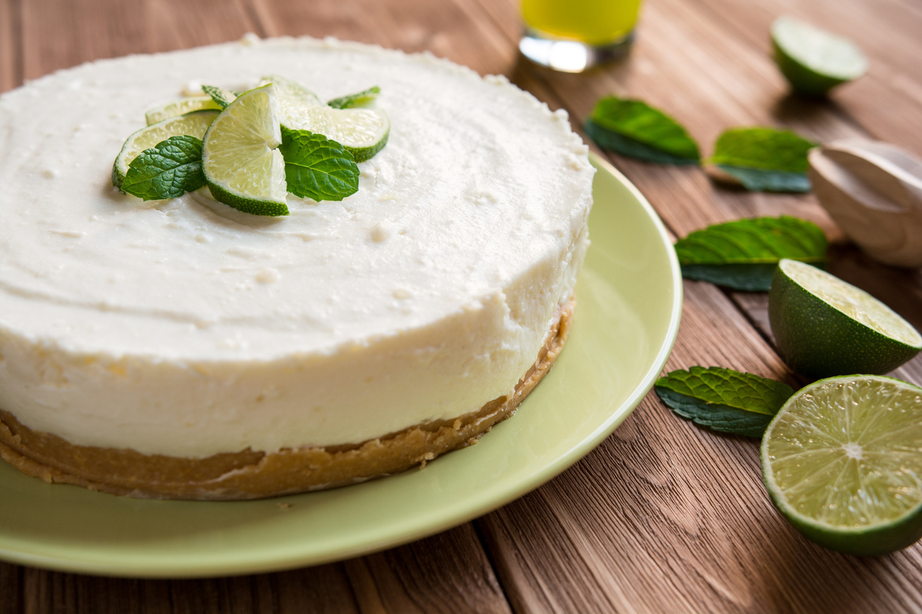 Hűsítő lime-os sajttorta, amihez a sütőt sem kell bekapcsolni