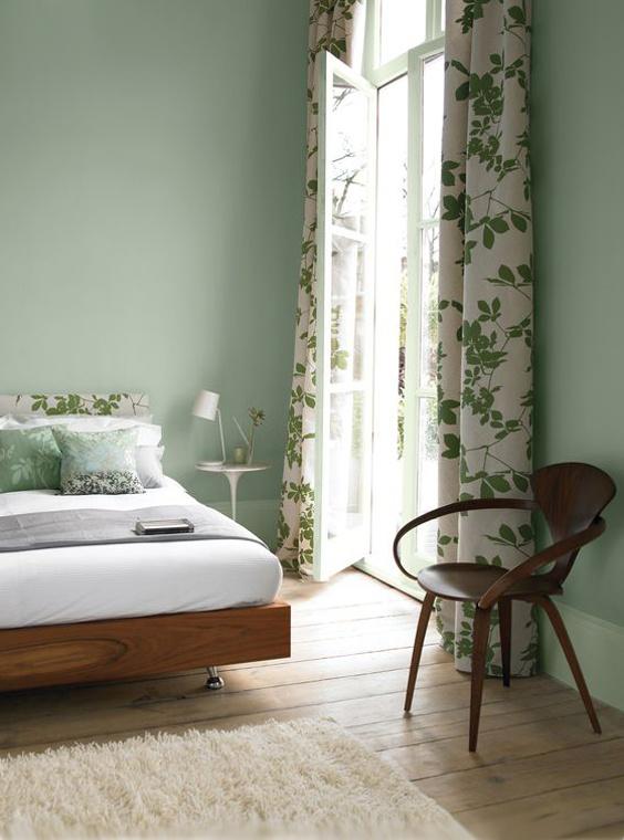 A kényelmes otthonért a látvány, a hangulat, az illatok is felelnek. A zöld szín például kifejezetten jó választás a hálószobába, mert segít relaxálni.