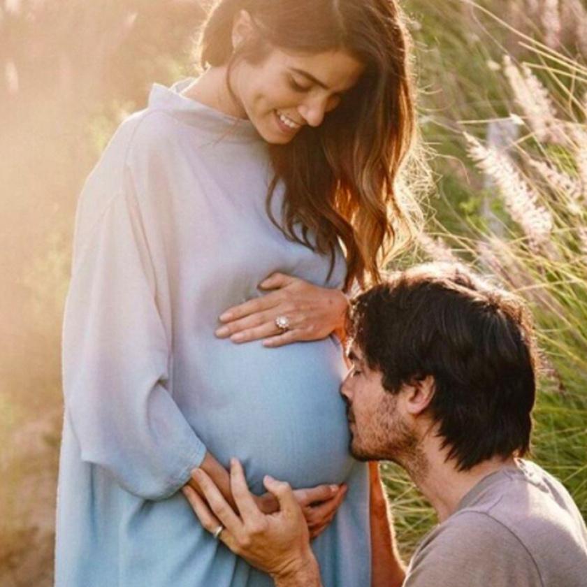 Ezzel a fotóval jelentették be, hogy Nikki Reed gyermeket vár