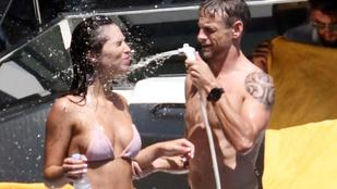 Jenson Button barátnőjének elveszett a bikinifelsője a nagy nyaralásban