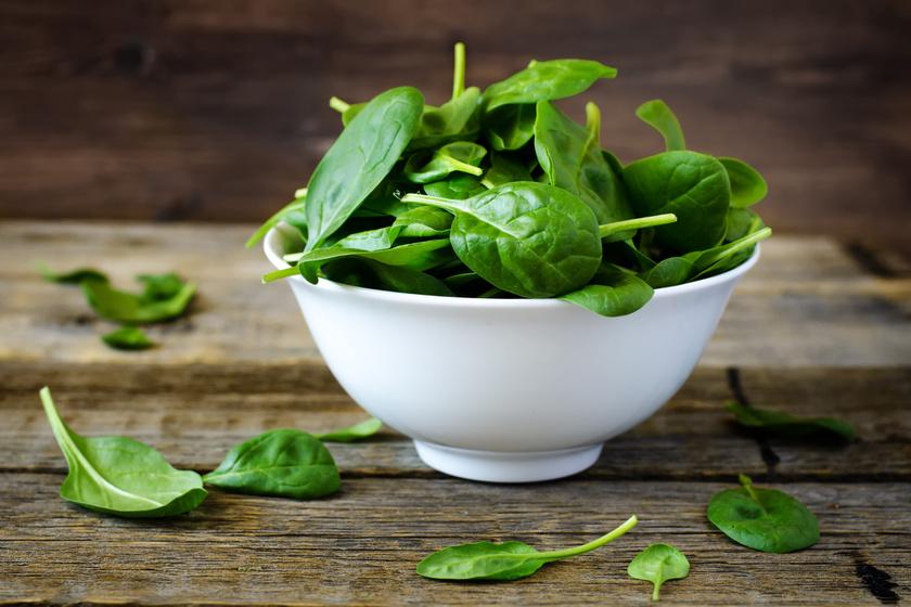 Meglepő, milyen egészségesek is lehetnek azok az ételek, amelyekkel vigyázni kell. A vitaminban gazdag spenót oxaláttartalma nagymértékű fogyasztás esetén fokozza a vesekőképződést.