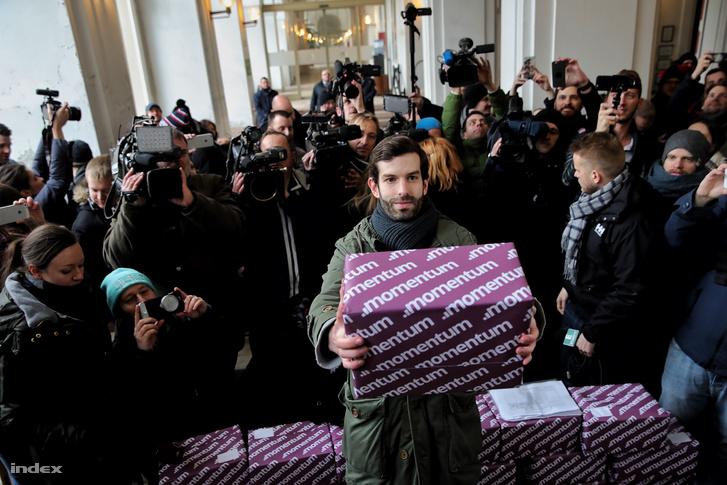 266 151 aláírás gyűjtöttek össze a budapesti olimpia megrendezése ellen