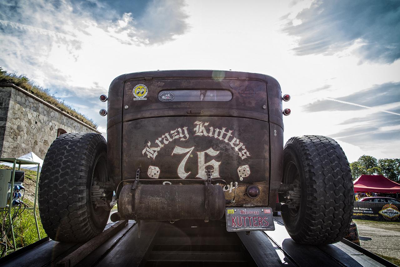 Krazy Kutters indahauz! A kizárólag amerikai autók restaurálására specializálódott igényes és profi magyar csapat természetesen itt is képviseltette magát, többek között ezzel az ultracool szörnyszülöttel.