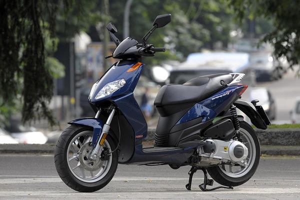 2009-Aprilia-SportcityOne125a