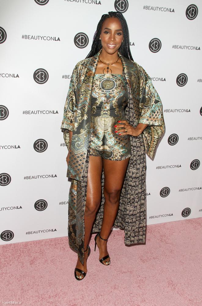 Kelly Rowland továbbra is remekül néz ki.