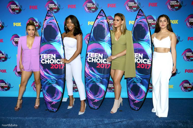 Ezen a képen a Fifth Harmony zenekar látható