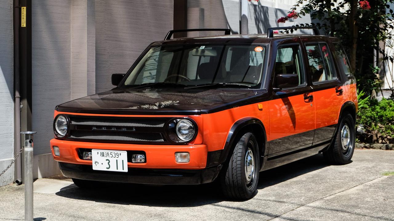 Nissan Aocel, vagy mi a rosseb. Tényleg Aocel van az elején és tényleg Nissan, olyan kormánya is van például. De hogy mi lehet? Kamakurában fotóztam, és látszik, hogy másnak is felkeltette már az érdeklődését, mert az Instagramon szintén van ugyanerről a kocsiról egy másik fotó. De az biztos, hogy nagyon-nagyon-nagyon kisszériás valami