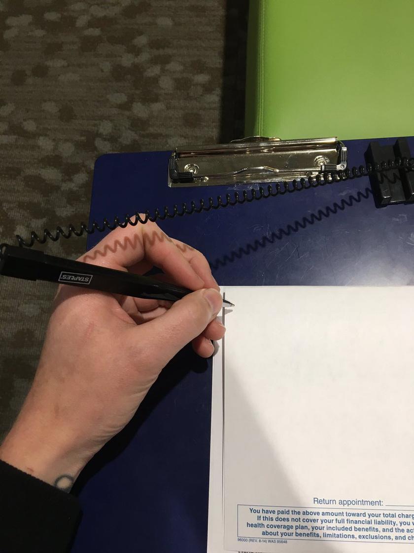 A toll kivétel nélkül mindig a rossz oldalon van rögzítve, ami elég kellemetlen harcokat eredményez.