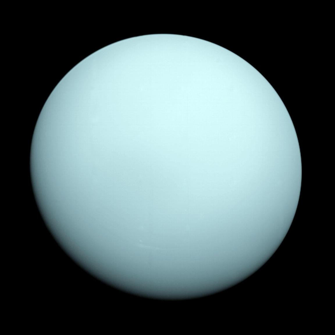 1986. december 18. A Voyager 2 portréja a szinte teljesen sima felhőzetű Uránuszról.