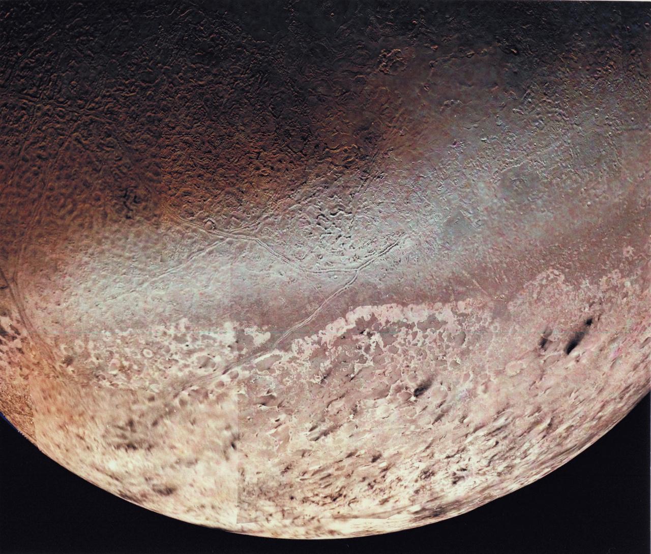 1989. augusztus 25. Triton, a Neptunusz legnagyobb holdja. (Voyager 2.)