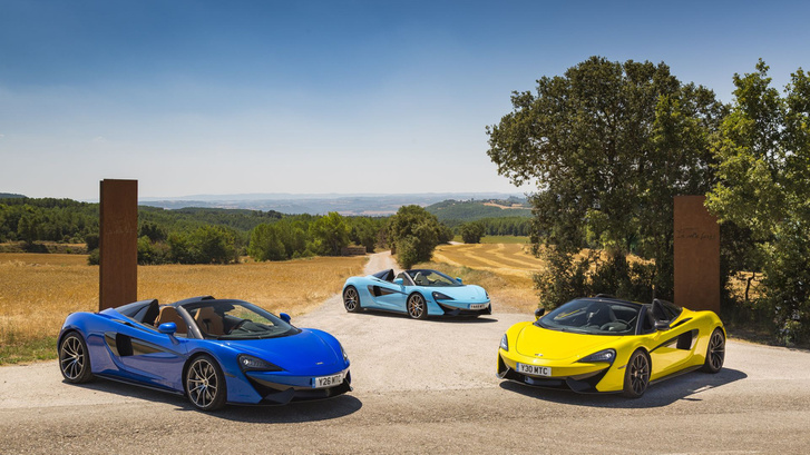 Három új szín: Vega Blue, Curacao Blue, és Sicilian Yellow