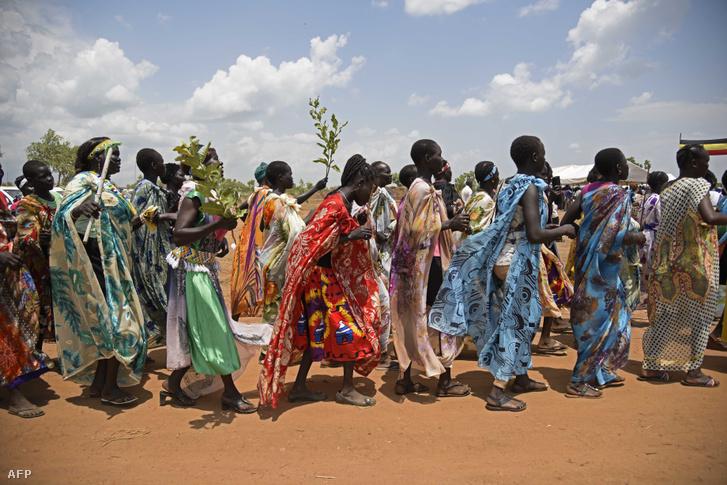 Dél-szudáni menekültek Ugandában 2016-ban.