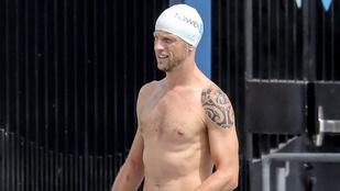 Őt profi úszónak néznénk, és profi is, csak nem úszó