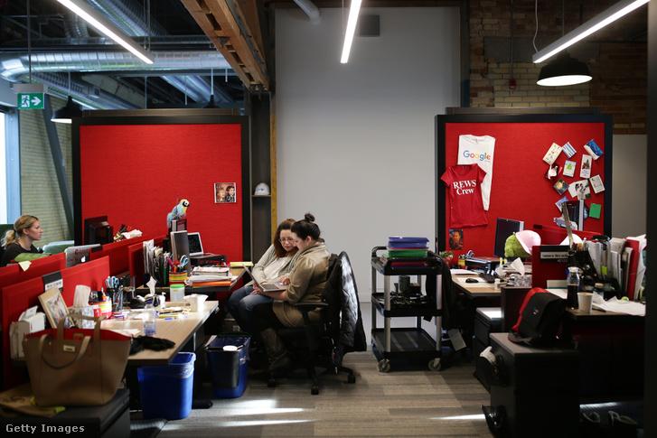 Alkalmazottak a Google kanadai irodájában