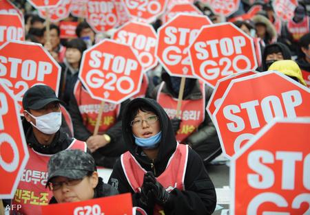 Ezrek tiltakoztak a G20 ellen Szöulban