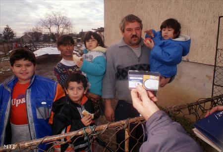 Pásztó 2001.02.01. Megkezdődött a harmadik évezred első népszámlálása Magyarországon