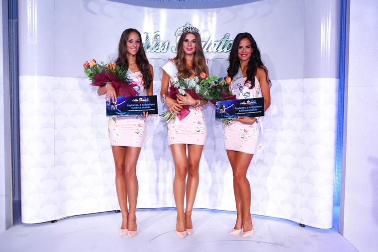De az abszolút győztes, a zsűri által megválasztott Miss Balaton 2017 pedig a középen látható Rákos Lili lett
