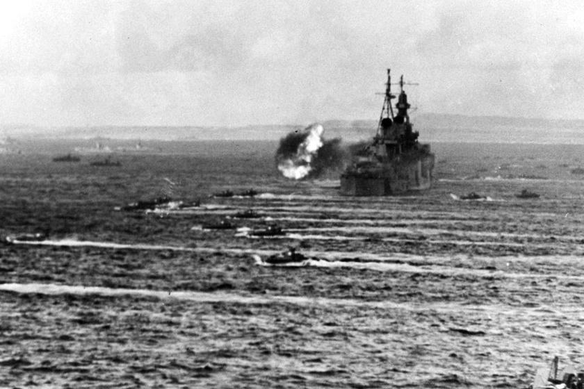 A hajót bombatalálat érte