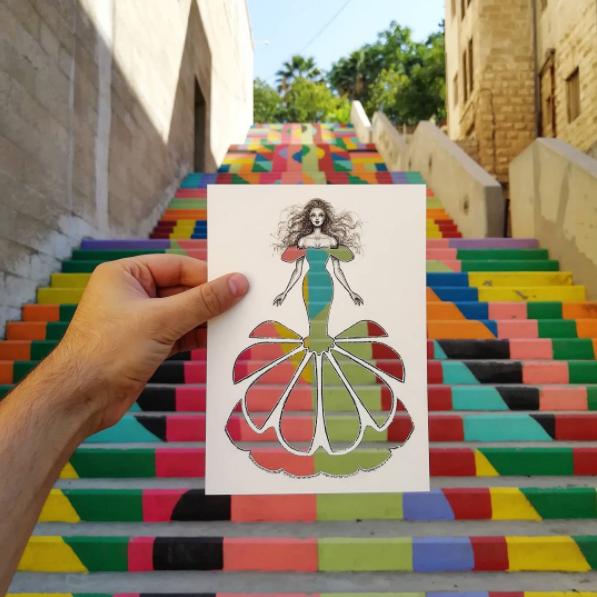 Shamekh Al-Bluwi először hagyományos divatrajzokat készített, de aztán egyedi ötlete támadt.
