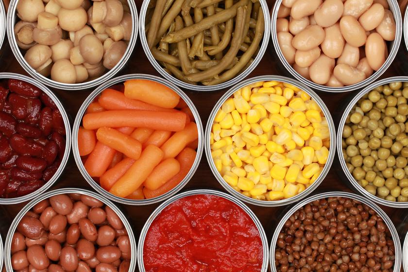 A zöldségek egészségesek, diétásak, de inkább ne konzervként vedd meg őket. Az előre elkészített, főtt zöldségek levét általában nagyon erősen sózzák.
