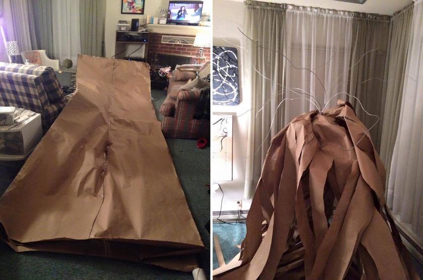 A karácsonyfa alapanyagául szolgáló, 4,5 méter hosszúságú papír az egész szobát beterítette.
