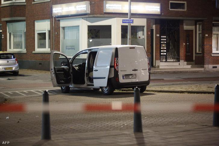 A Rotterdamban megtalált kisbusz.