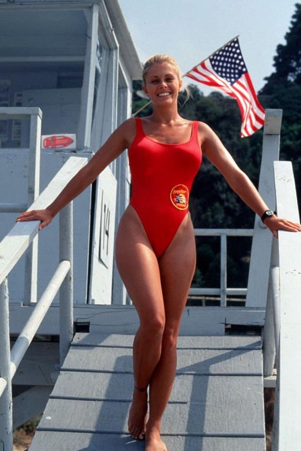 Így nézett ki régen Nicole Eggert a sikersorozatban: Summer Quinnként egy férfi sem tudott neki ellenállni.
