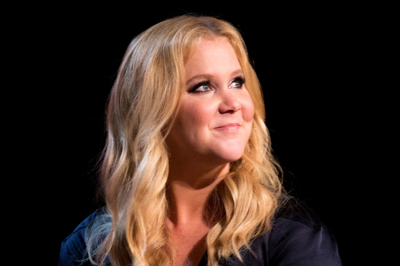 amy-schumer-toplesz-foto-cover