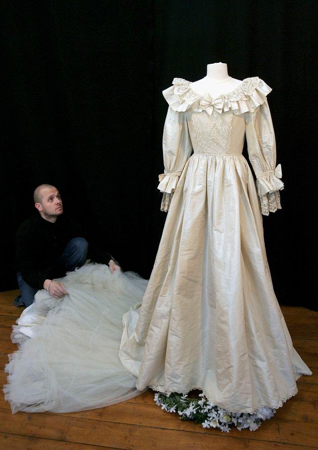 diana-eltunt-menyasszonyi-ruha-nagy