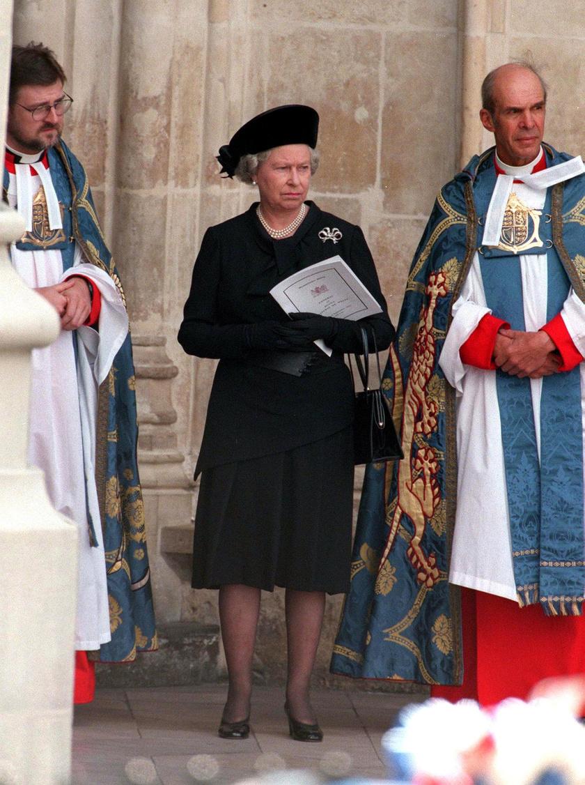 Erzsébet királynő Diana temetésén