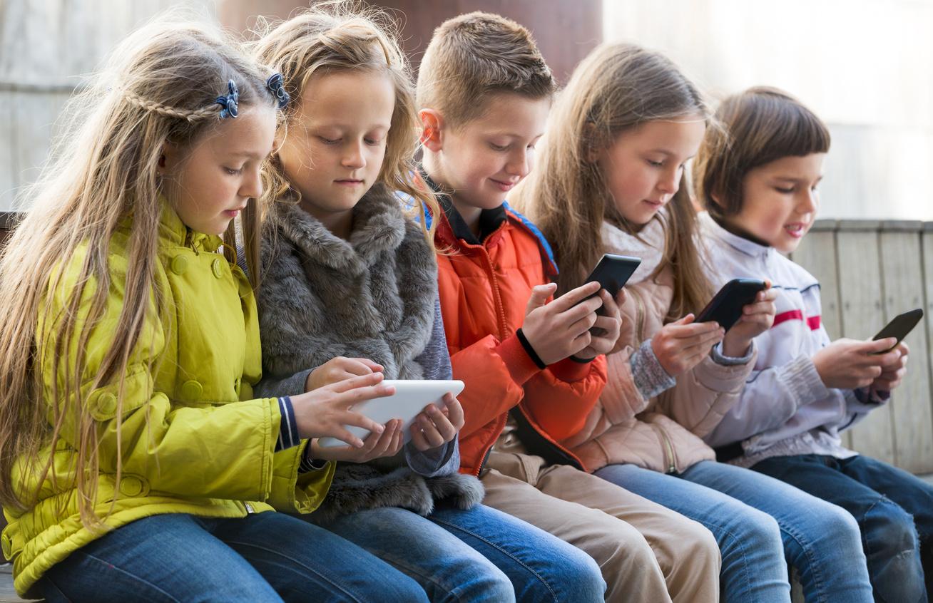 okostelefon gyerekek