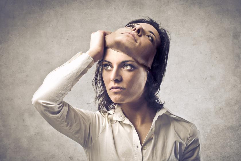 álca-maszk-kettős-személyiség-megjátszás
