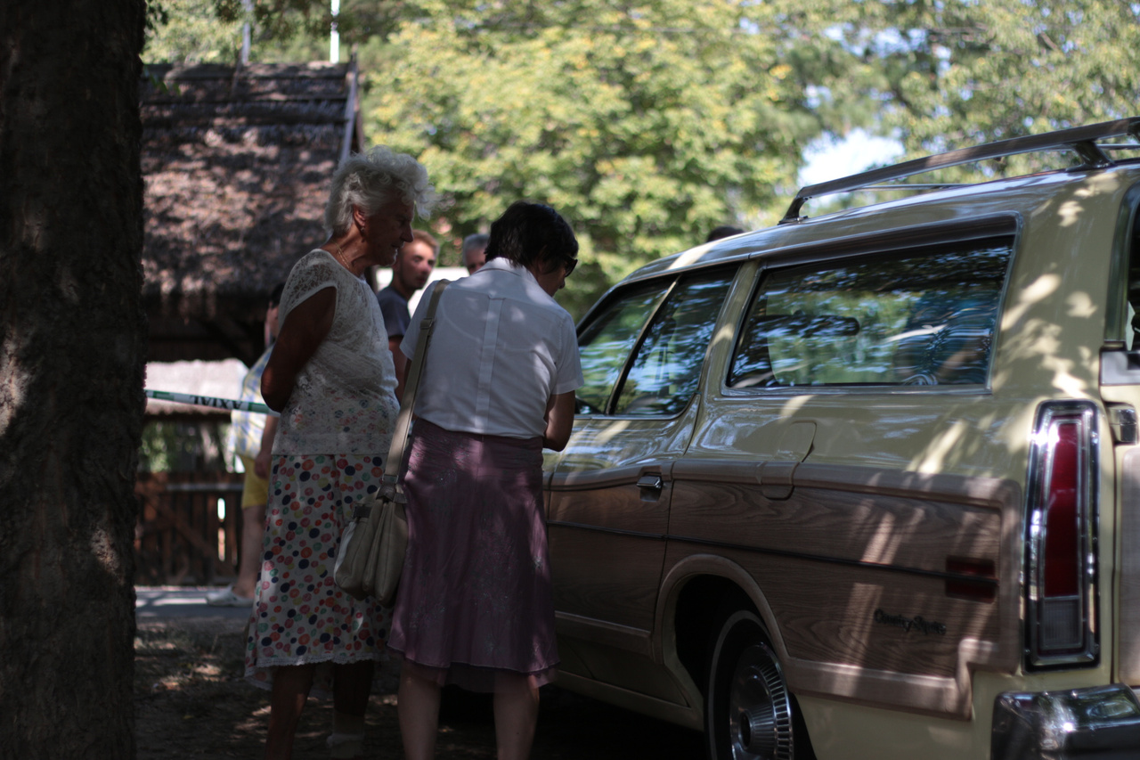 Mára már a fa dekoráció is elkurvult az autóiparban - milyen szerencse, hogy mutatóba még maradt az igazi amerikai stílusból