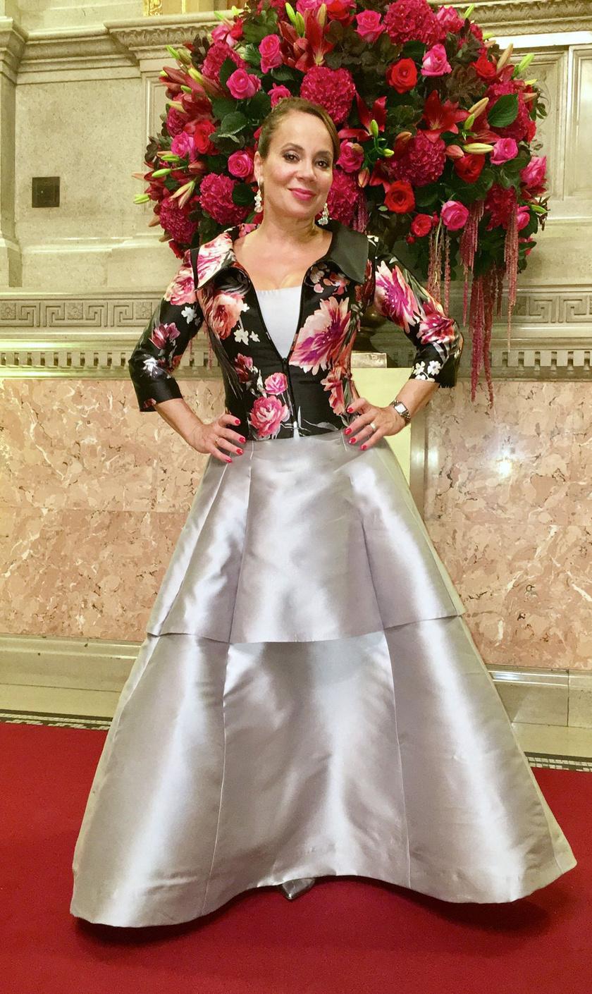 Csisztu Zsuzsa volt a legszebb az Operaházban megrendezett judo-gálán. Gyönyörű ruháját Kanizsai Silka Ágnes tervezte.