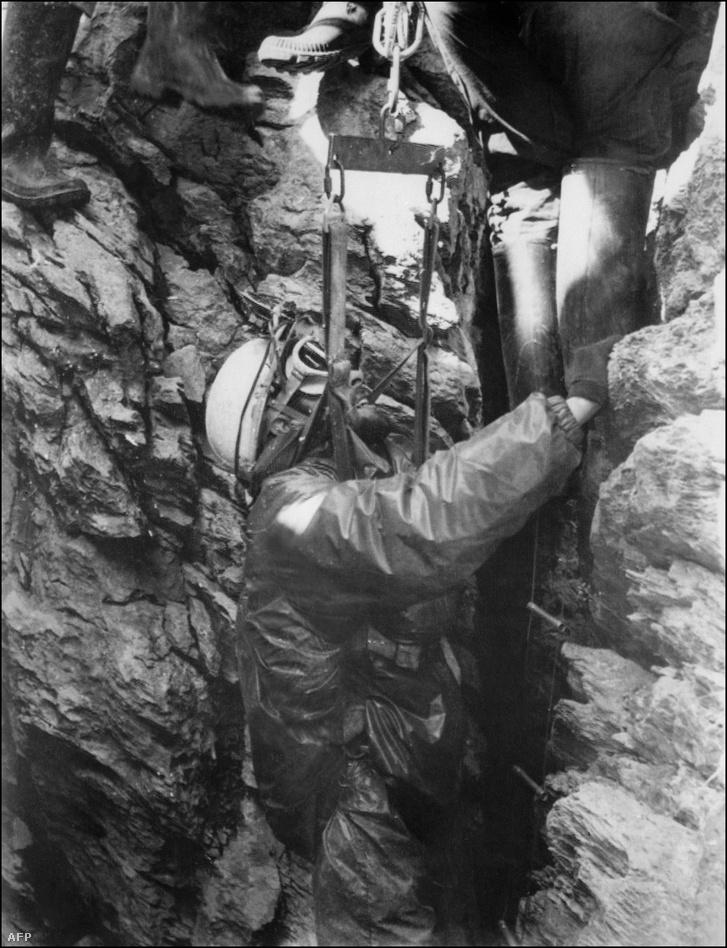 Michel Siffre 1500 órát töltött a Scarasson-barlangban