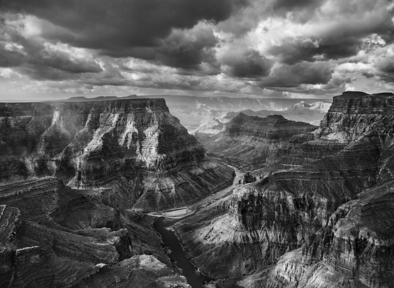 A navajo területen torkollik egymásba a Colorado és a Kis-Colorado folyó. A Grand Canyon Nemzeti Park a kettő találkozása után kezdődik. Arizona, USA, 2010Afrika