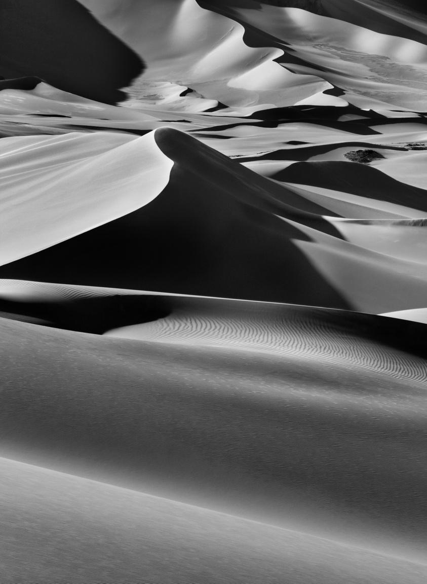 Hatalmas homokdűnék Albrg és Tin Merzouga között, Tadrartban, Djanettől délre. Algéria, 2009
