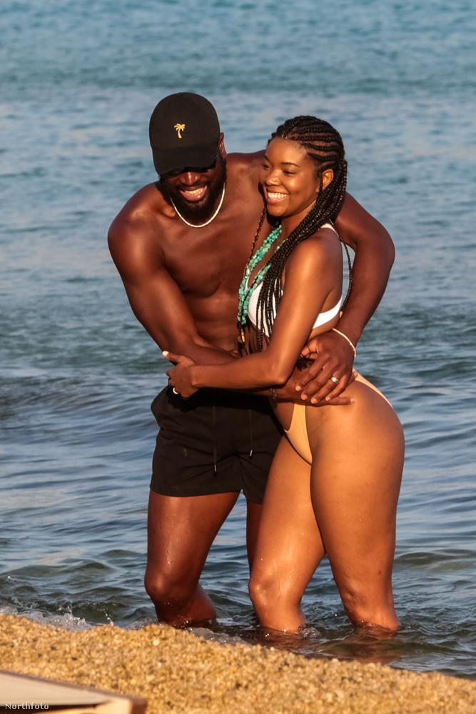 Végül pedig Dwayne Wade kosaras és felesége, Gabrielle Union színésznő családi idilljét tekinthetik meg,