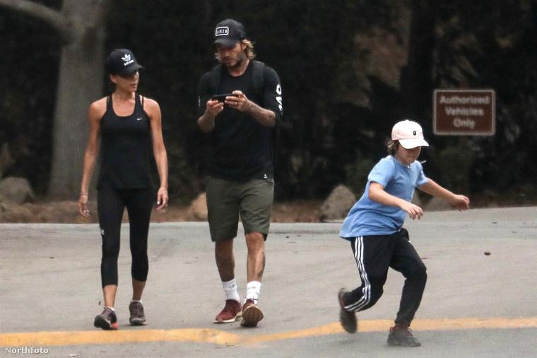 Nos, ilyen egy átlagos szombat délután a Beckham-család életében, ami egyáltalán nincs összhangban a korábban említett feltételezésekkel