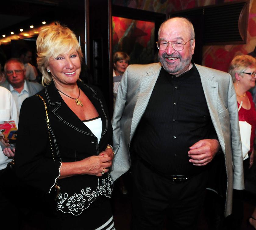 Bujtor István és felesége 2008 júniusában, Gálvölgyi János 60. születésnapján a Madách Színházban.