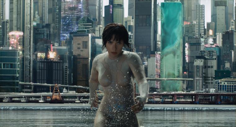 Scarlett Johansson. Nem japán.