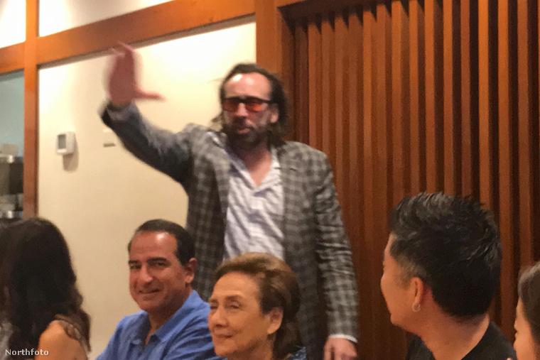 """""""Helló, helló, megjöttem!"""" - mondhatja ezen a fotón Nicolas Cage, mert igen, itt ő látható"""