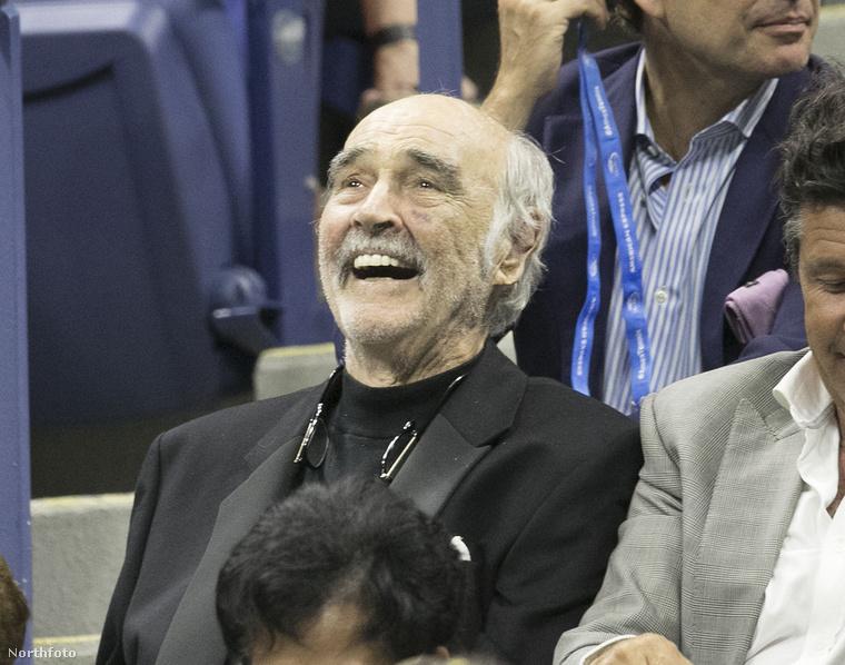 Sean Connery viszont egyedül is mesésen szórakozott