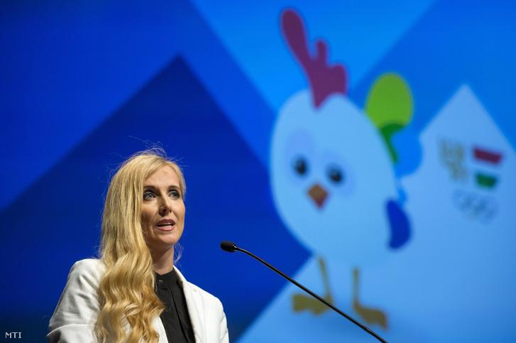 Szabó Tünde az Emberi Erőforrások Minisztériumának sportért felelős államtitkára beszédet mond a 14. nyári Európai Ifjúsági Olimpiai Fesztiválon részt vevő magyar csapat fogadalomtételén a Budapest Kongresszusi Központban 2017. július 22-én.