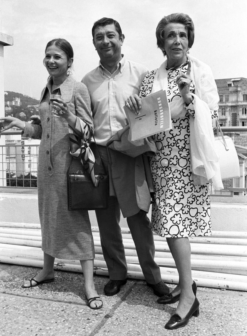 Makk Károly, Törőcsik Mari és Darvas Lili 1971 júniusában Cannes-ban, ahol a 25. cannes-i filmfesztiválon a zsűri különdíját vehették át a Szerelem című filmért.