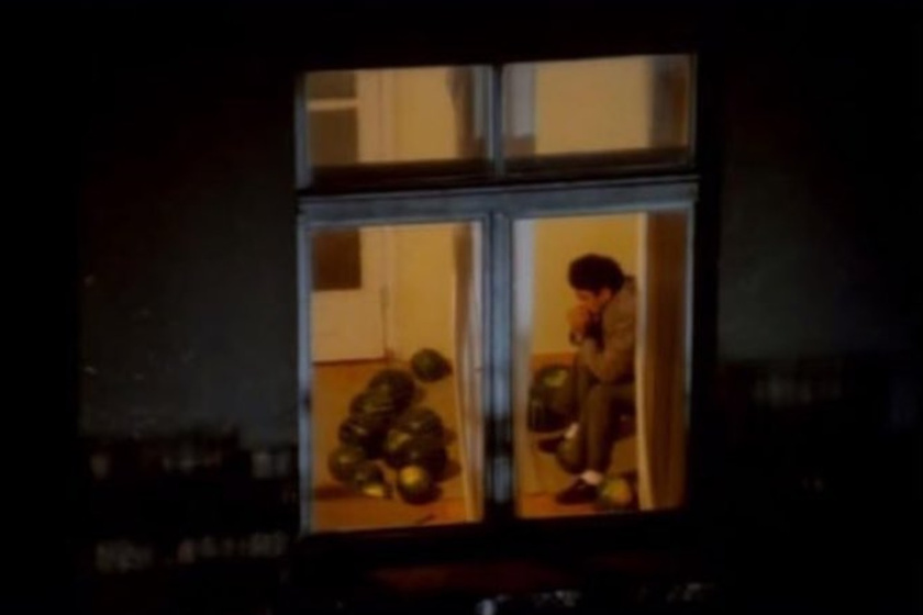 """""""Hajnali három óra van, és a szomszédom meetinget tart a görögdinnyékkel."""""""
