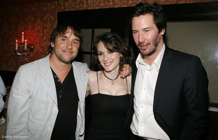 Richard Linklater rendező, Winona Ryder és Keeanu Reeves a Kamera által homályosan Los Angeles-i premierjén, 2006. június 29-én
