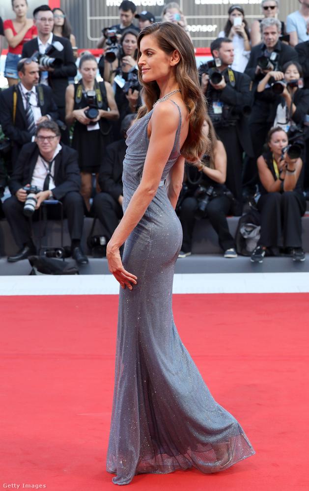 Ő Izabel Goulart brazil modell
